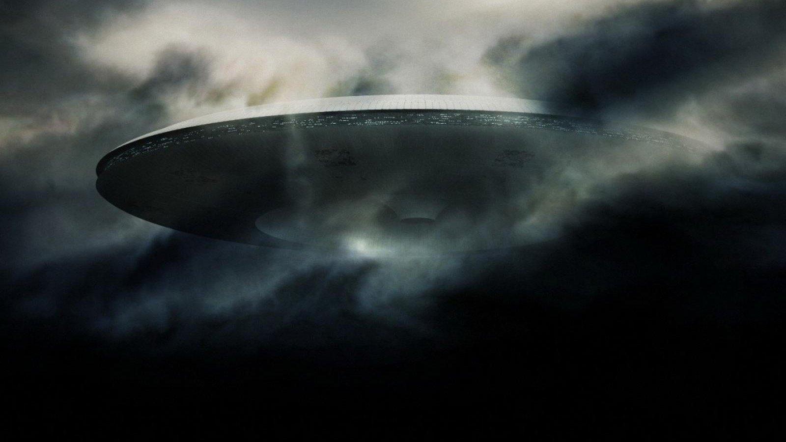 Подборка фильмов и сериалов про пришельцев среди нас